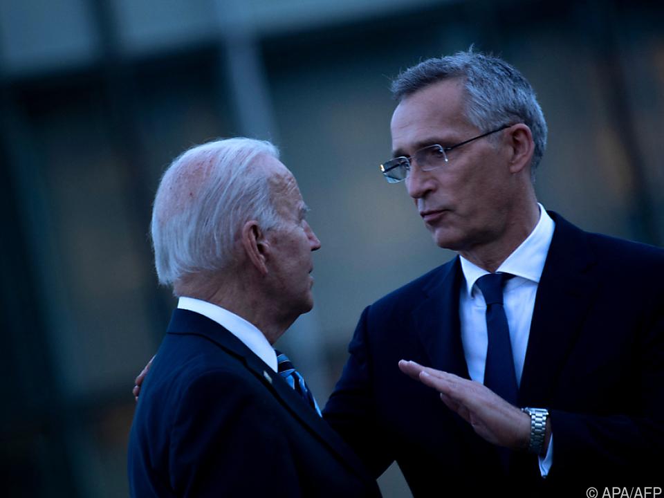US-Präsident Biden und NATO-Generalsekretär Stoltenberg bei Gipfel