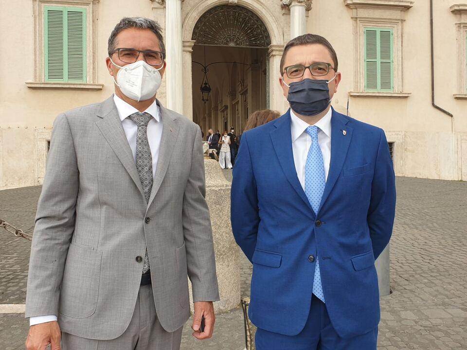 kompatscher fugatti Südtirol und Trentino übernehmen die italienische Eusalp-Präsidentschaft 2022. LH Kompatscher und Fugatti (im Bild v.l. gemeinsam in Rom) \