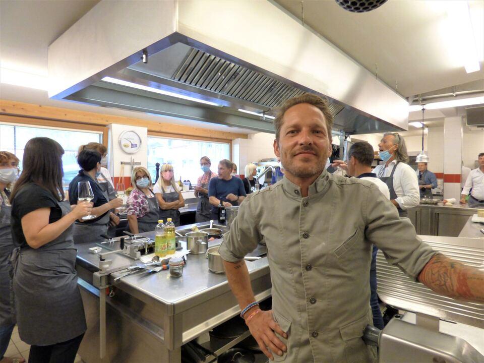 A1. Rainer Klutsch + Küchenkandidaten.4MP©Sabine Peer