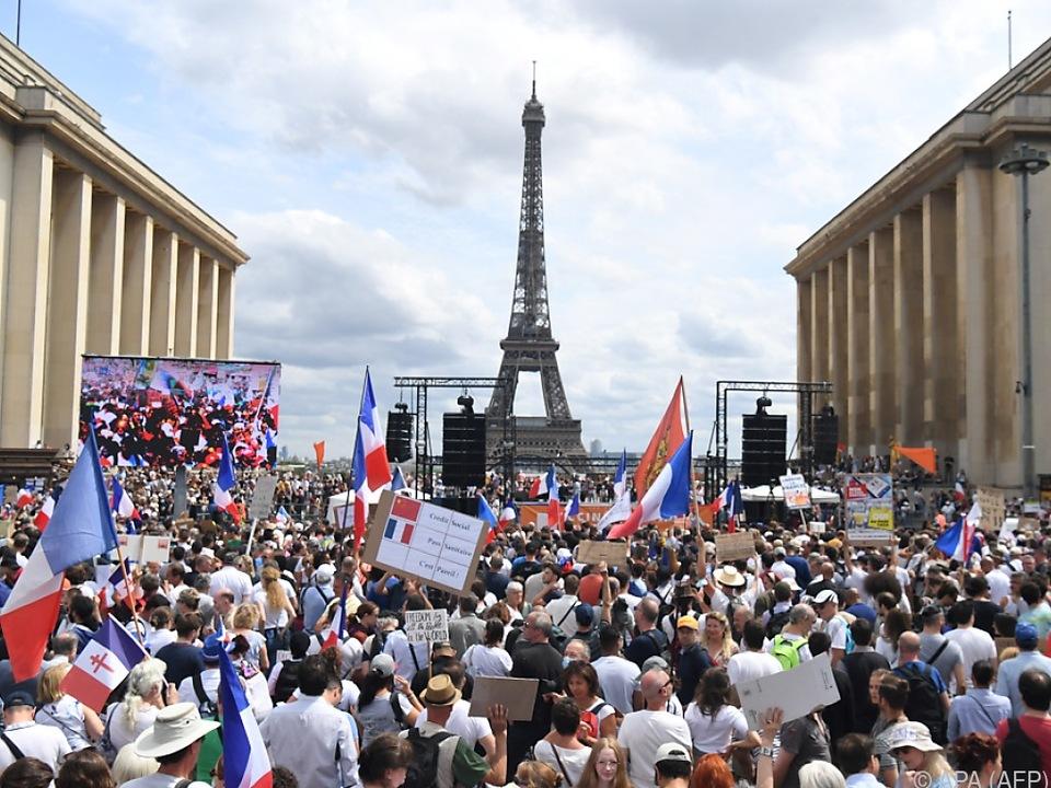 Alleine in Frankreich gingen 160.000 Menschen auf die Straßen
