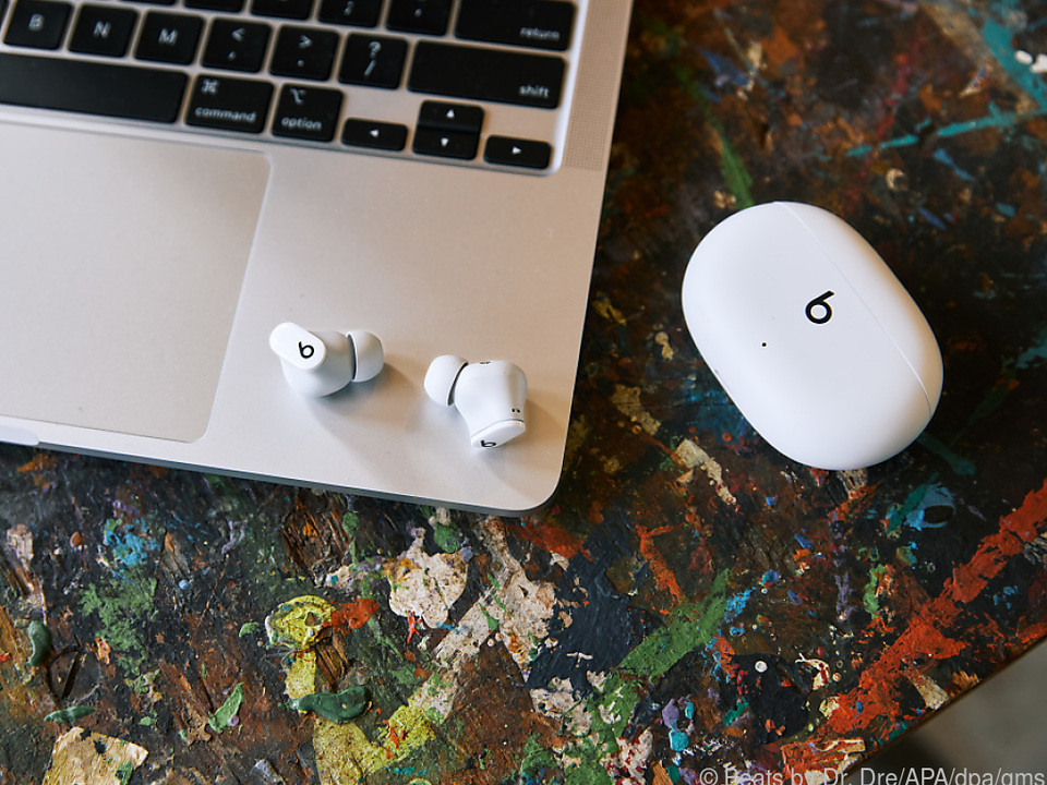 Die Beats Studio Buds kommen mit passendem Gehäuse