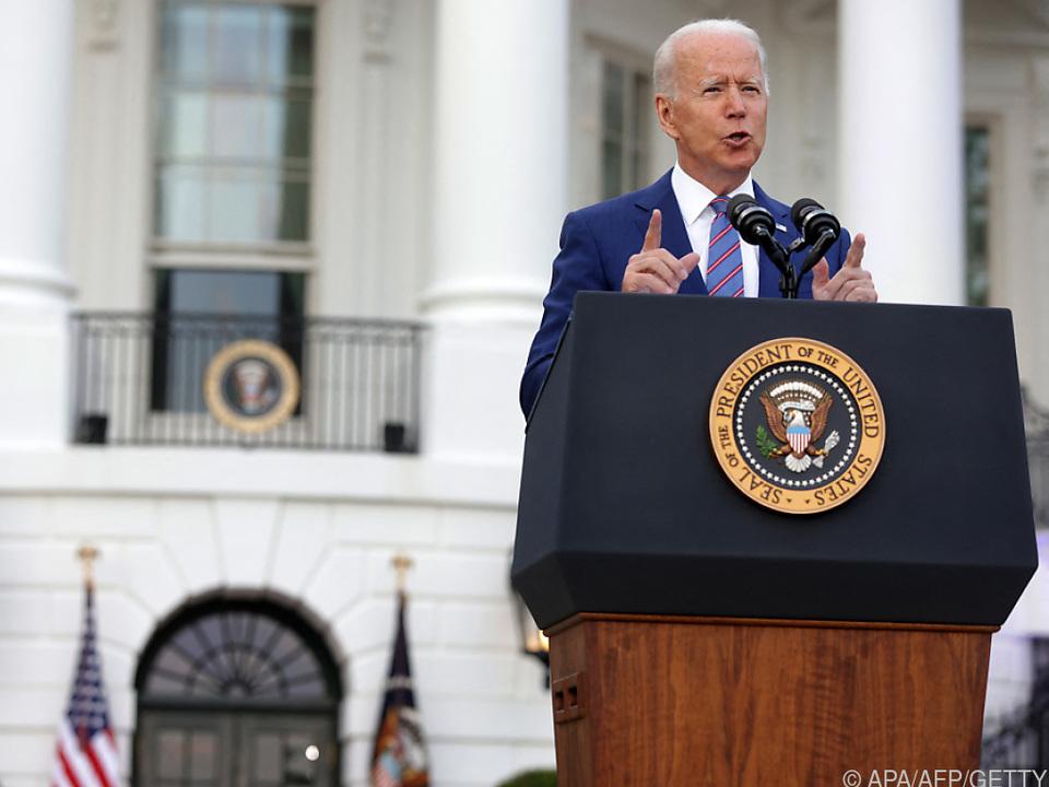 Biden warnte trotz der Feierlichkeiten vor dem Coronavirus