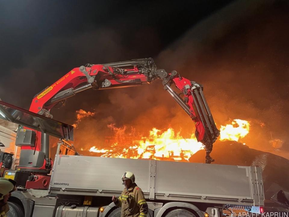 Die Brandursache war zunächst unklar
