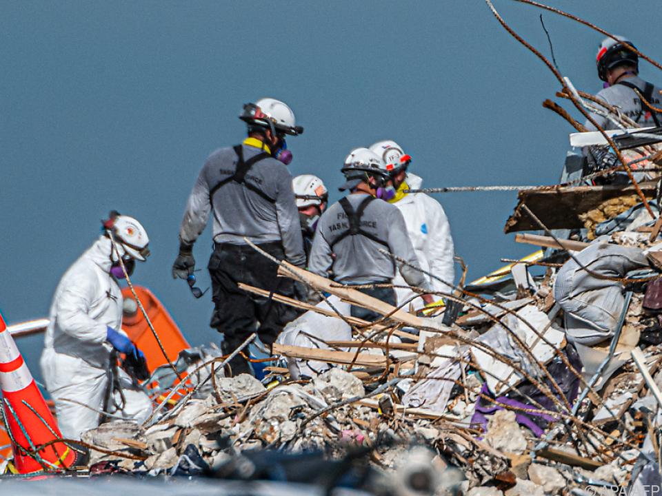 Die Suche in den Trümmern dauert seit zehn Tagen