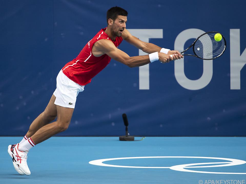 Djokovic spielte ärmellos und ließ trotz Hitze nichts anbrennen