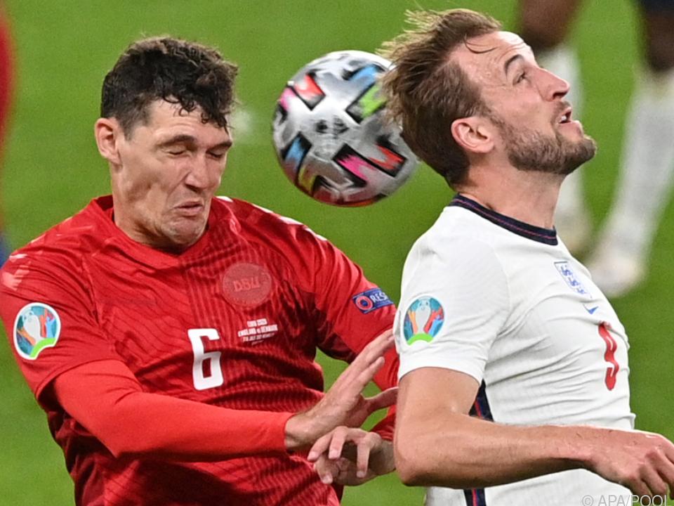England und Dänemark lieferten ein umkämpften Halbfinale