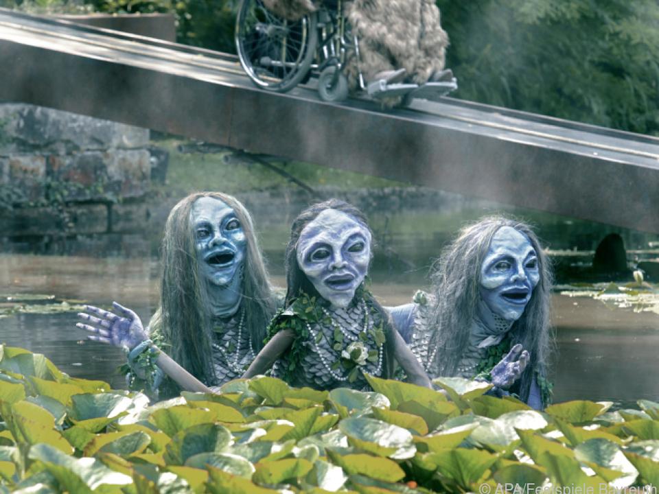Erda und die drei Rheintöchter im Bayreuther Teich