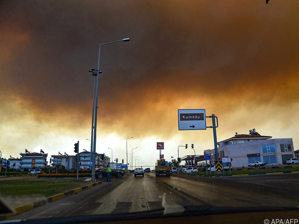 Insgesamt 53 Waldbrände in unterschiedlichen Provinzen ausgebrochen