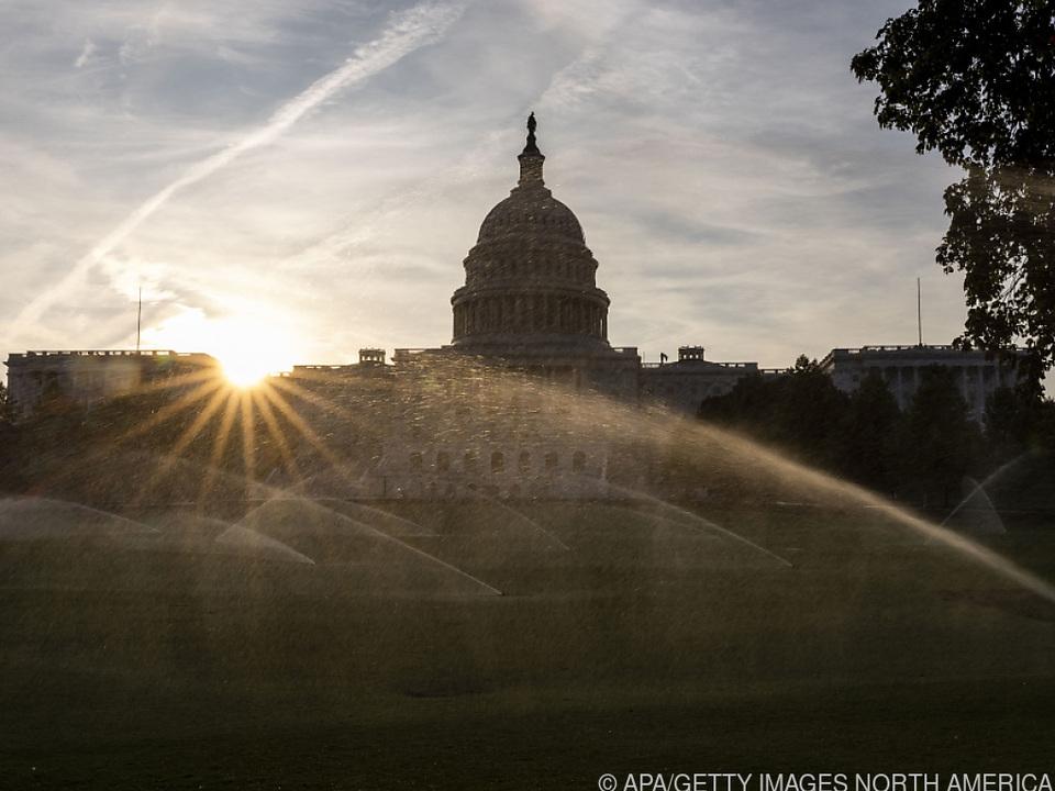Lichtblick im Kapitol: Zerstrittene US-Politiker für Billiardenpaket