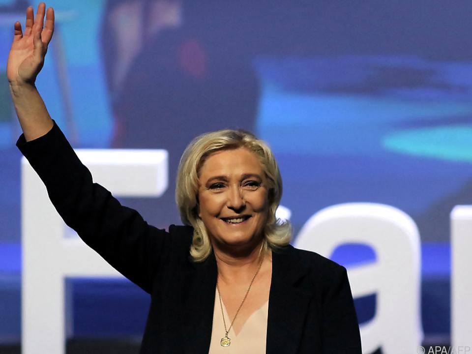 Marine Le Pen mit mehr als 98 Prozent als Parteichefin bestätigt
