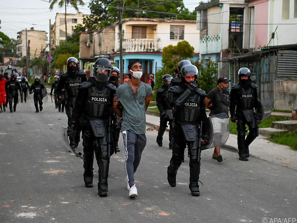 Mehr als 5.000 nach Anti-Regierungsdemos festgenommen