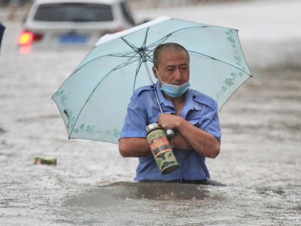 Millionenmetropole Zhengzhou unter Wasser