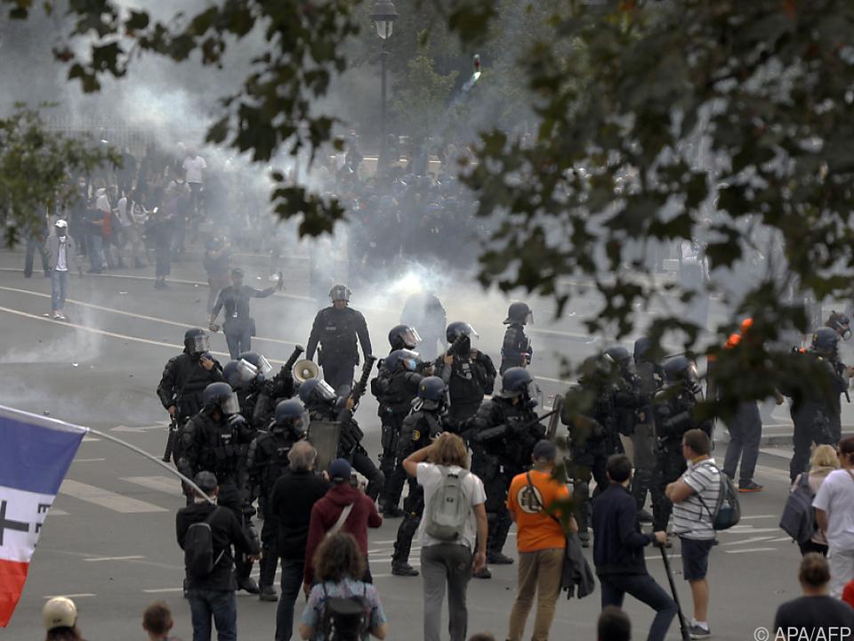 Protest gegen Ausweitung des Gesundheitspasses in Paris