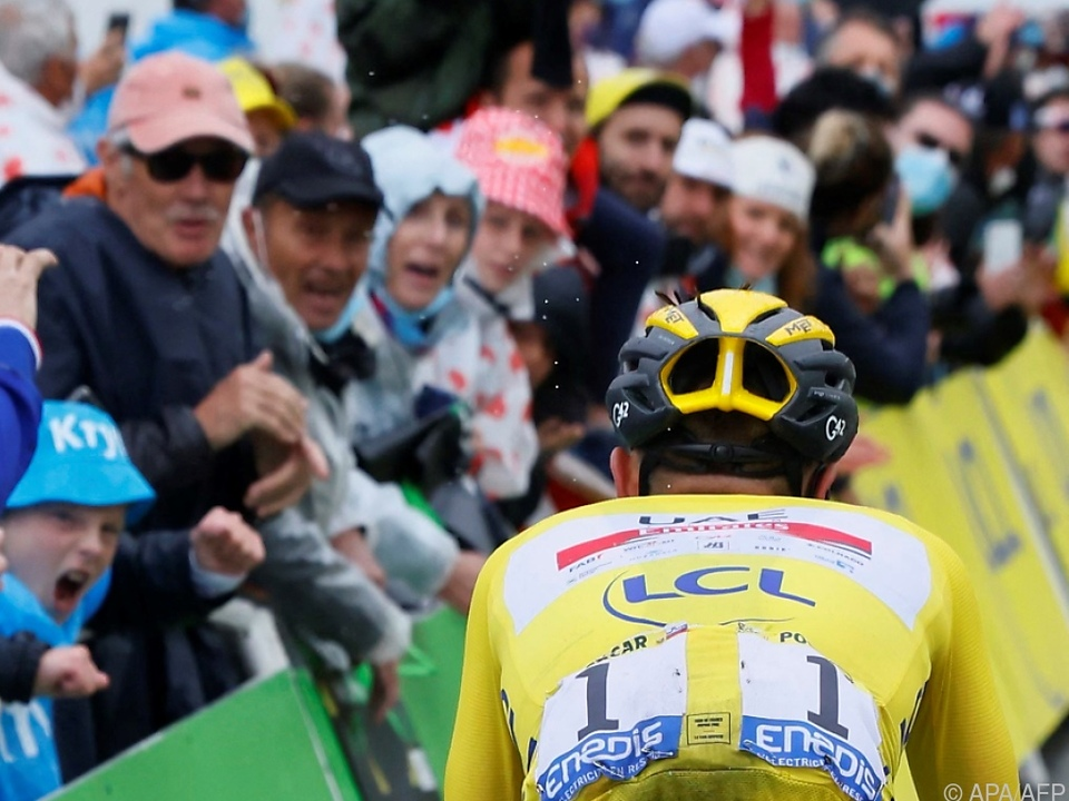 Tadej Pogacar zeigt seinen Rivalen in der Tour-Gesamtwertung nur den Rücken