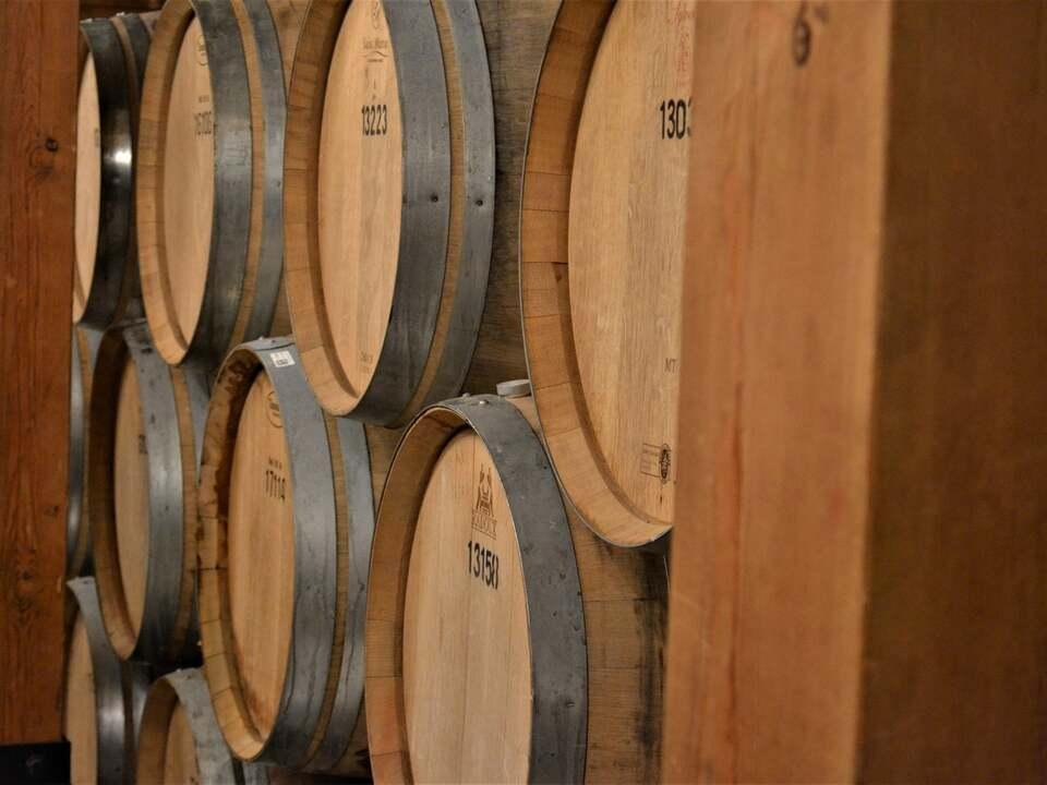 Weinlagerung michael-c-qZp9ixAouI4-unsplash