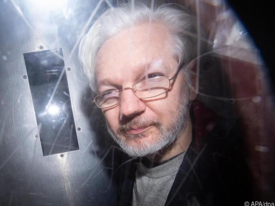 Wikileaks-Gründer Julian Assange hat wenig Freiheiten