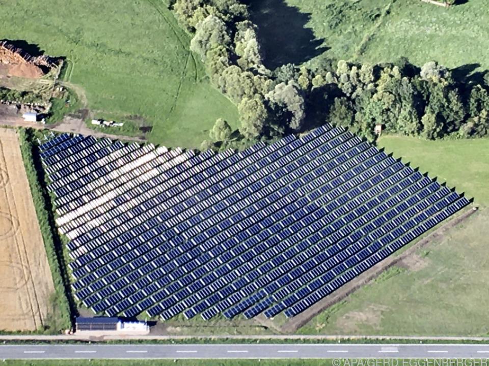 436 Großflächenkollektoren auf 5.700 Quadratmetern
