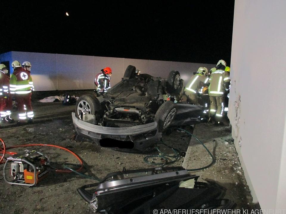 Bei diesem schweren Unfall in Klagenfurt starben zwei junge Männer