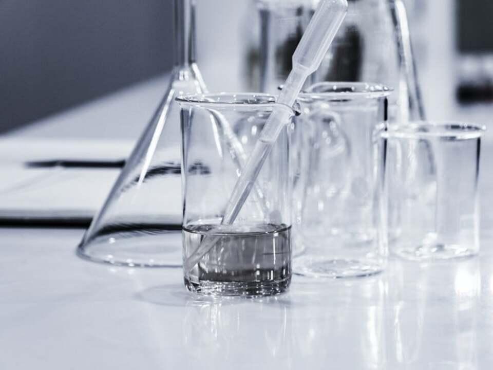 Chemie hans-reniers-lQGJCMY5qcM-unsplash