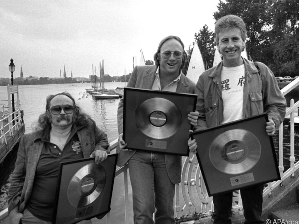 Crosby (links) 1983 mit seinen Kollegen Stephen Stills und Graham Nash