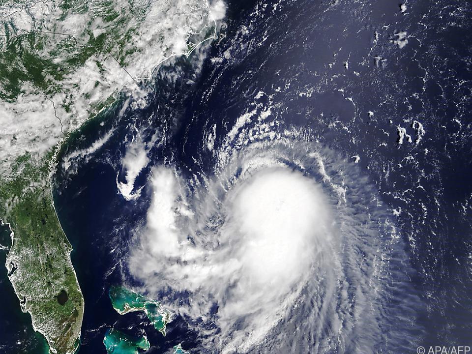 Der Sturm Henri bewegt sich auf US-Ostküste zu
