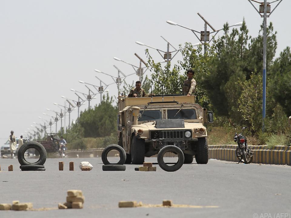 Die Taliban rückt in immer mehr afghanische Gebiete vor