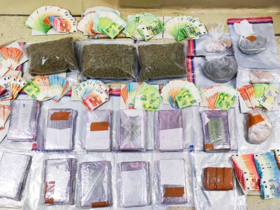 Drogen im Straßenverkaufswert von rund vier Millionen Euro