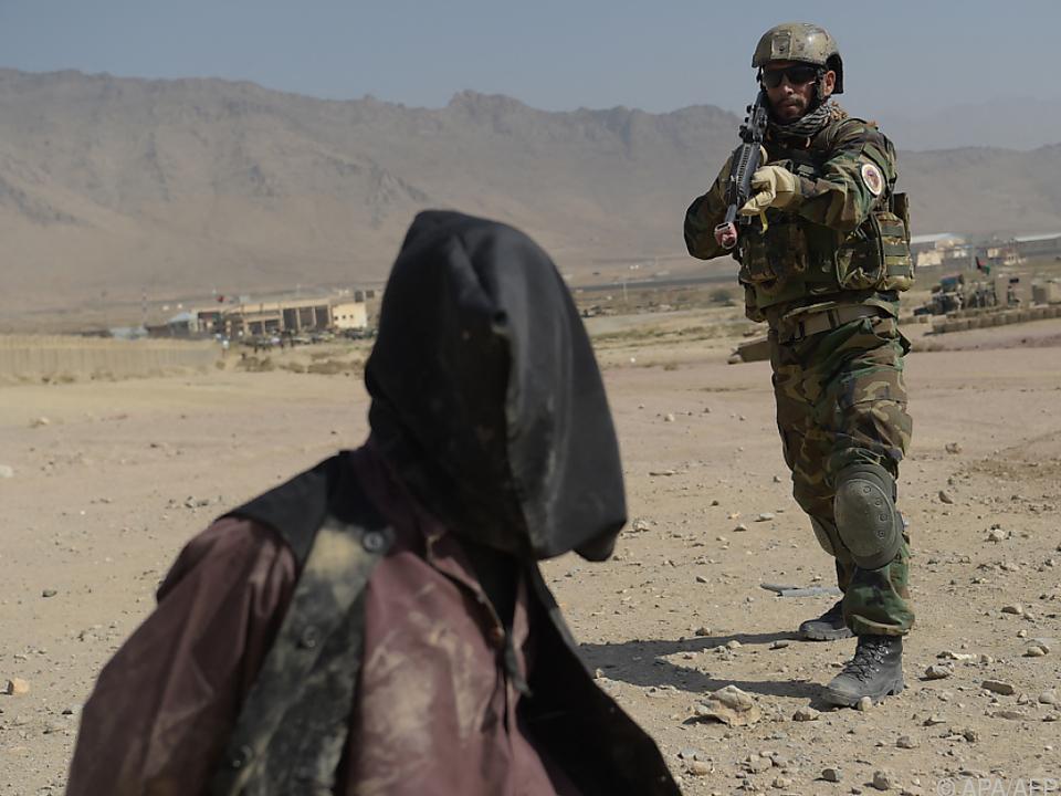 Festnahme eines Taliban-Kämpfers in Afghanistan (Symbolbild)