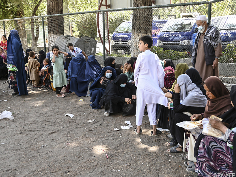 Immer mehr Vertriebene wegen Vormarsch der Taliban