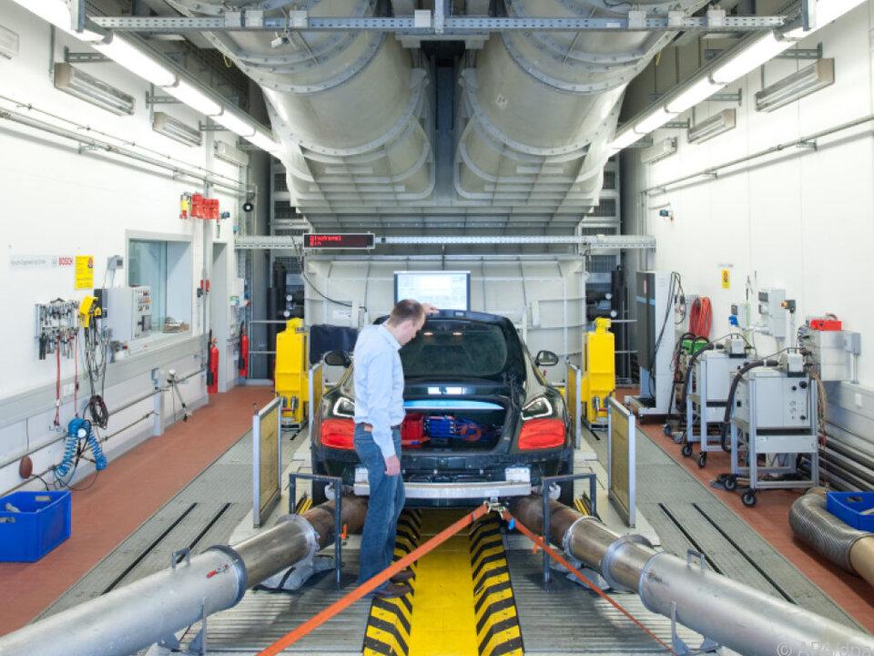 Leistungsprüfstand beim weltgrößten Autozulieferer Bosch
