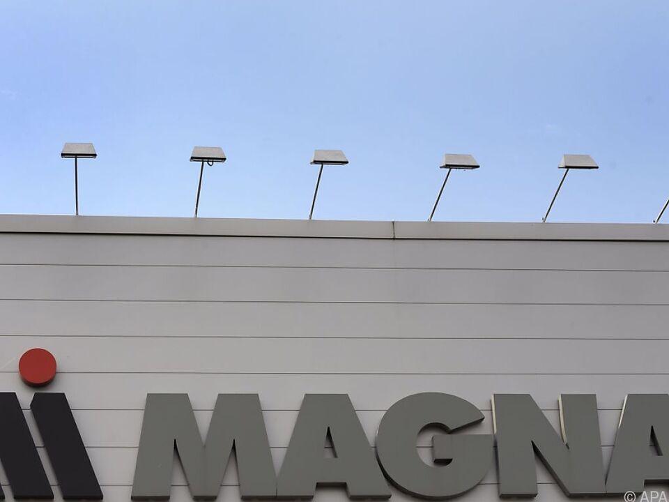 Magna senkte wegen Chip-Mangels den Ausblick