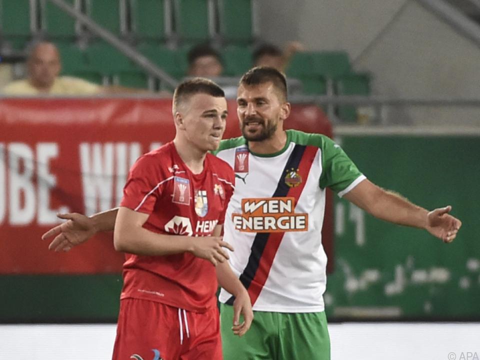 Mittelfeld-Routinier Stojkovic (r.) ist wieder zurück bei Rapid
