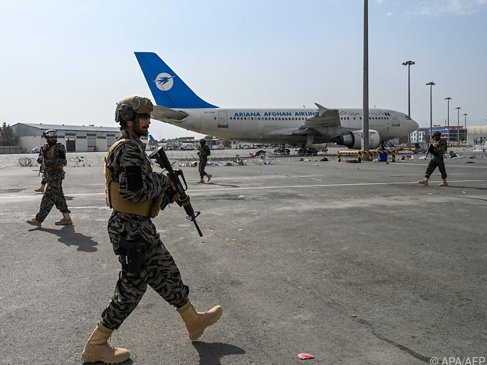 Nach dem Abzug der US-Truppen kontrollieren Taliban den Flughafen