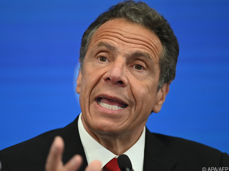 New Yorker Gouverneur Cuomo kämpft um sein Amt