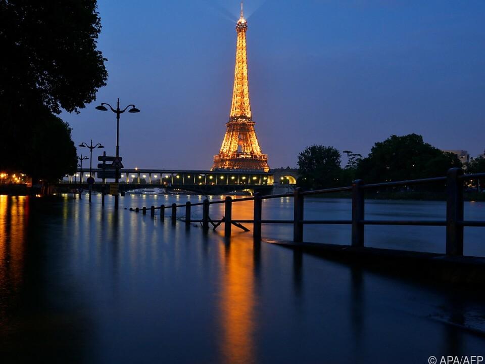 Paris und der Eiffelturm stehen für Messi bereit