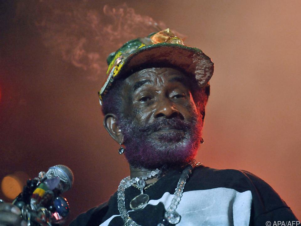 Perry starb in einem Krankenhaus in Jamaika
