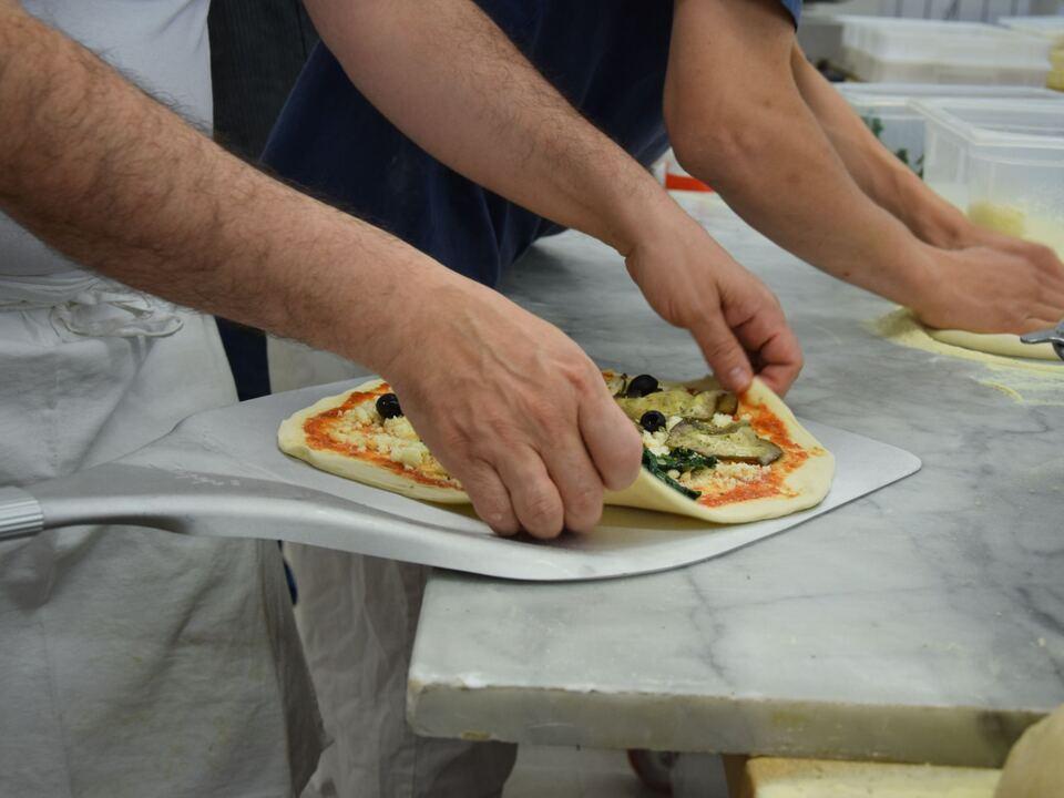 Pizzabacken1