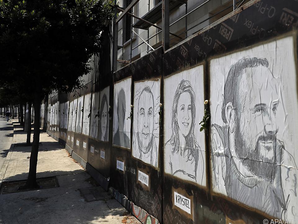 Porträts der Opfer auf den Straßen Beiruts