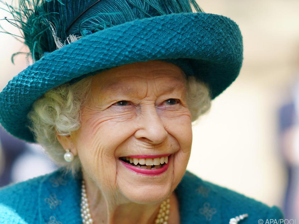 Queen Elizabeth wieder \
