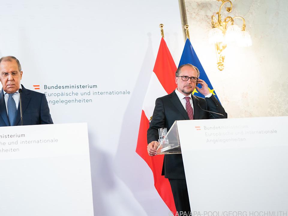 Schallenberg bei der PK mit seinem russischen Amtskollegen