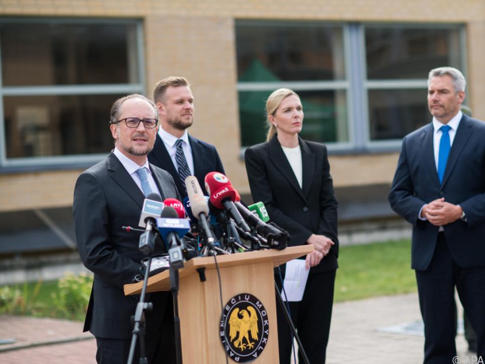 Schallenberg und Nehammer mit ihren litauischen Amtskollegen