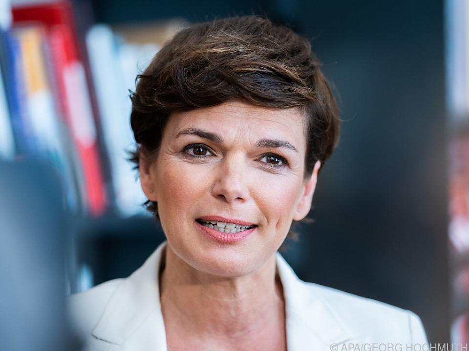 SPÖ-Chefin vermisst Konzepte der Regierung gegen vierte Corona-Welle
