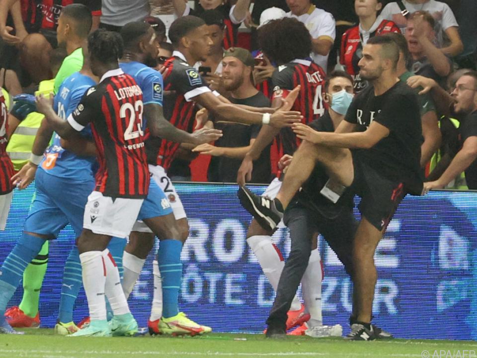 Tumulte mit Fans im Stadion von Nizza