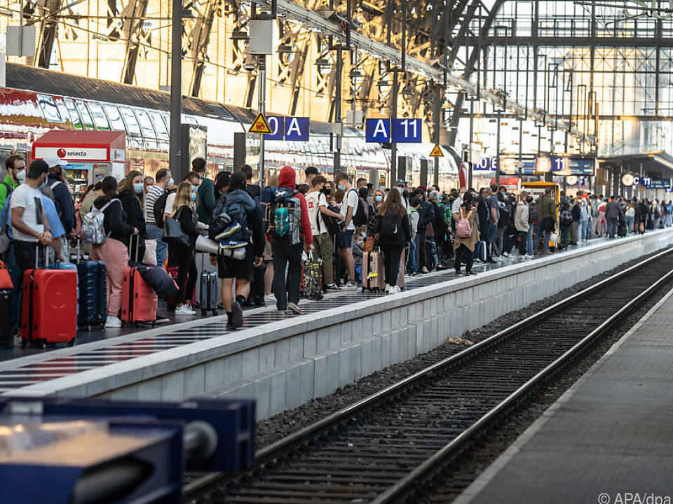 Viele Passagiere werden sich wieder gedulden müssen
