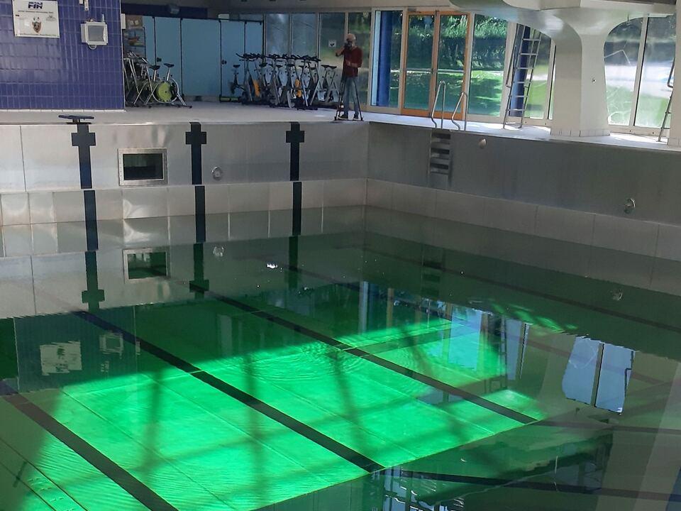 grünes wasser hallenbad bozen