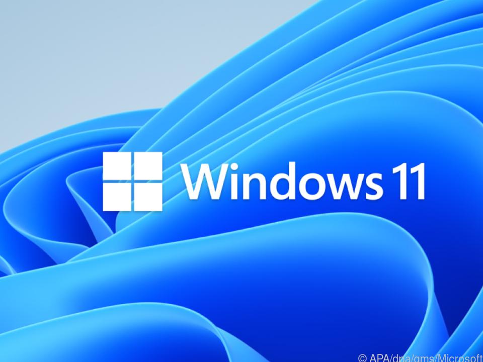 Bauschig blau: Das Windows-11-Logo vor neuem Hintergrund