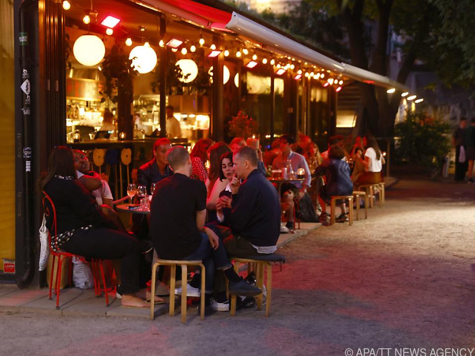 Besucher eines Restaurants in Stockholm