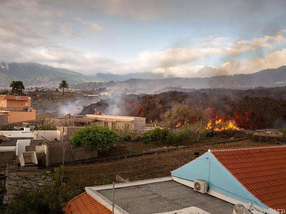 Bisher mehr als 160 Gebäude zerstört