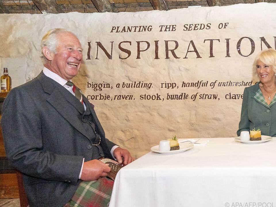 Charles und Camilla sind große Bond-Fans