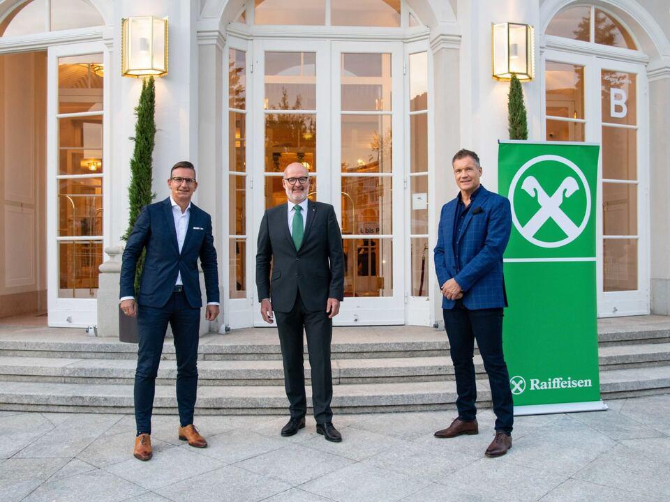 Christian W. Röhl, InvestmentClub-Obmann Gernot Häufler, Armin Assinger